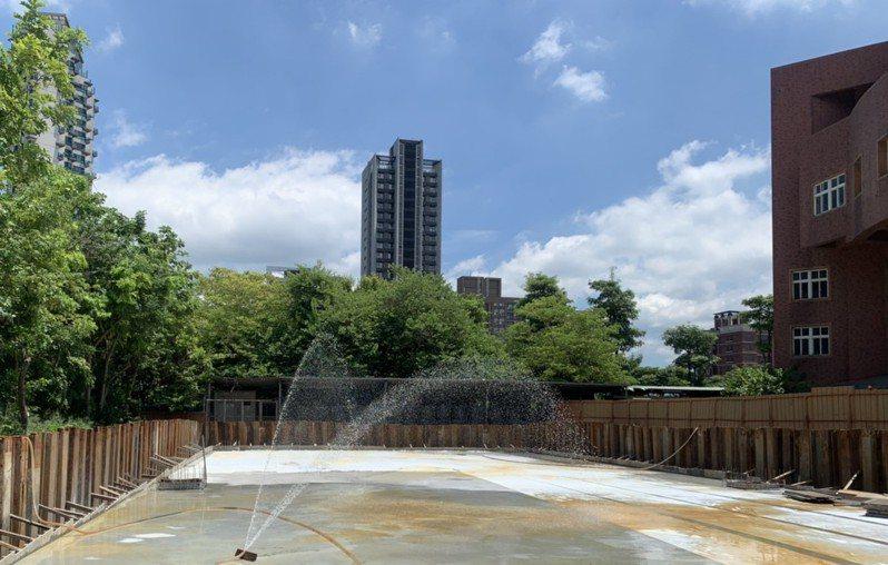 新北市近期剛在三重新北高中完成透水保水工程。圖/新北市水利局提供