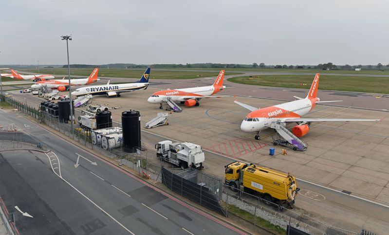 英國將逐步解除封鎖的消息帶動夏季旅遊熱潮,航空業即將迎來解封商機。法新社