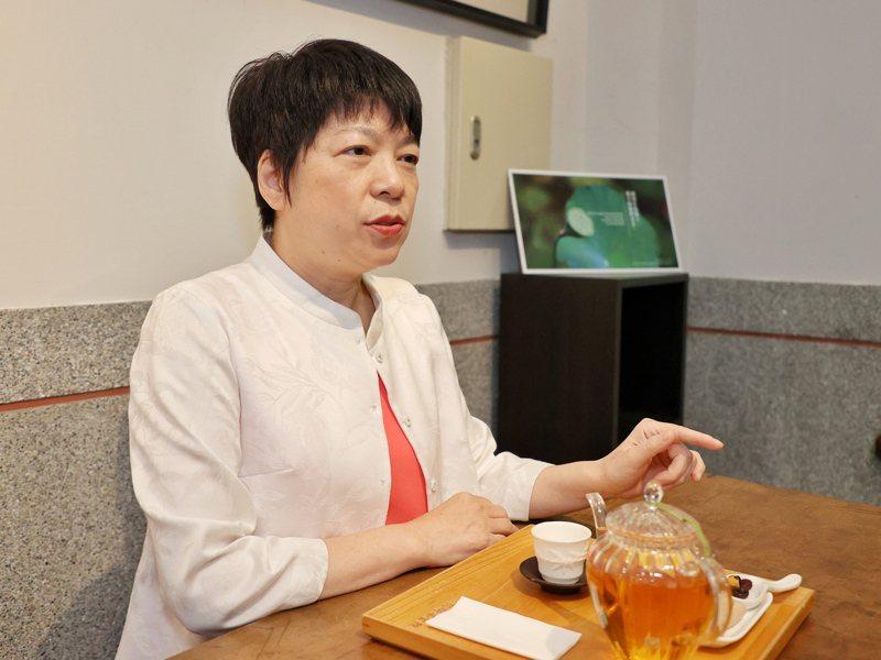 國立台北教育大學幼兒與家庭教育學系副教授郭葉珍,分享陪伴孩子度過情緒風暴的經驗。記者林伯東攝影