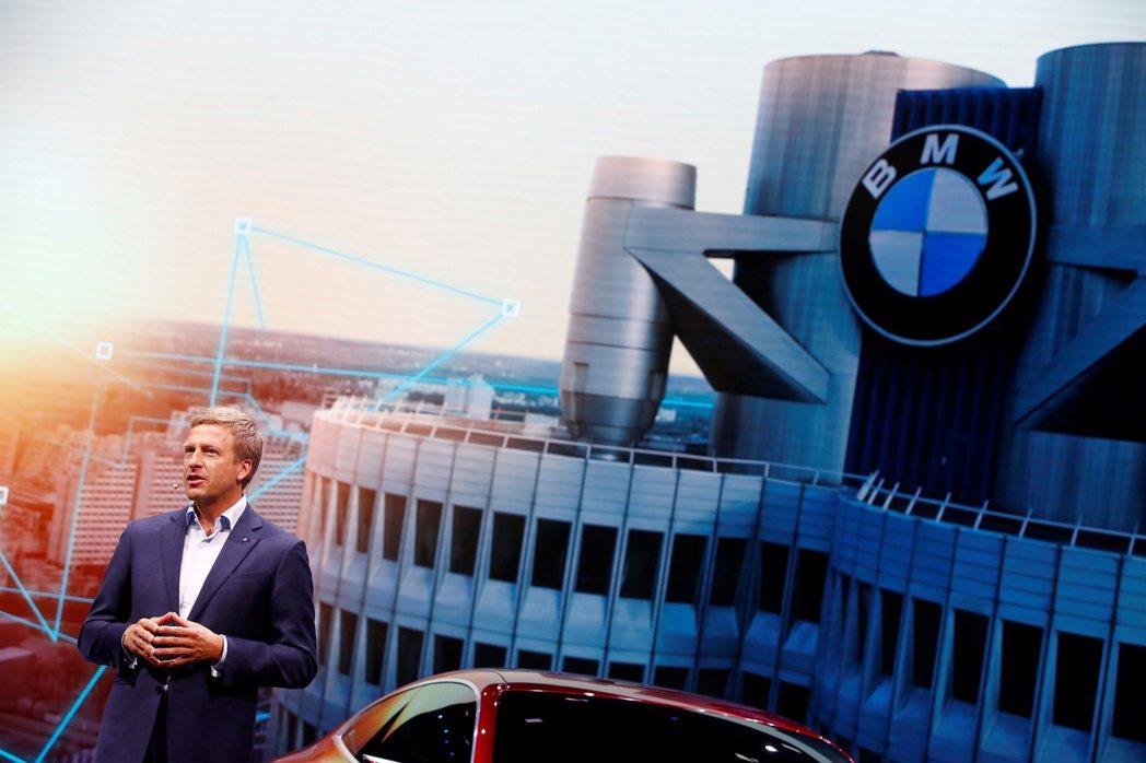 BMW執行長表示,隨著傳統車廠相繼推出電動車,長年稱霸電動車市場的特斯拉不久後料...