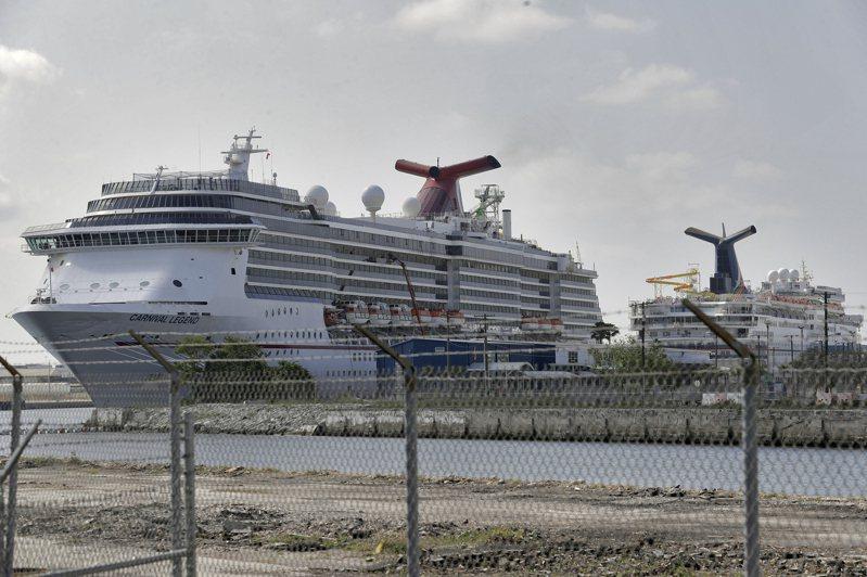新冠疫情持續中止郵輪航程。美聯社