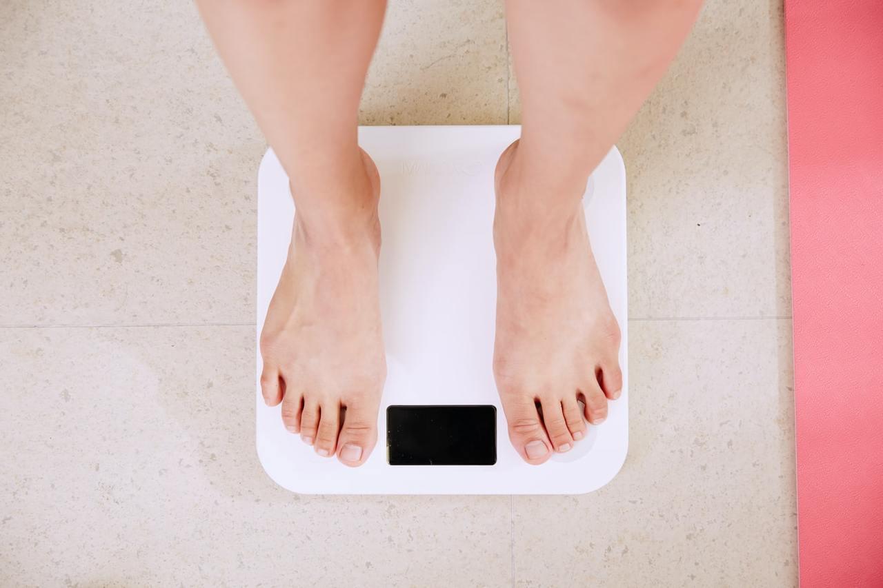 減重飲食法有很多種,營養師叮噹分享3種目前最多人在使用的,限制熱量飲食法、減醣飲...