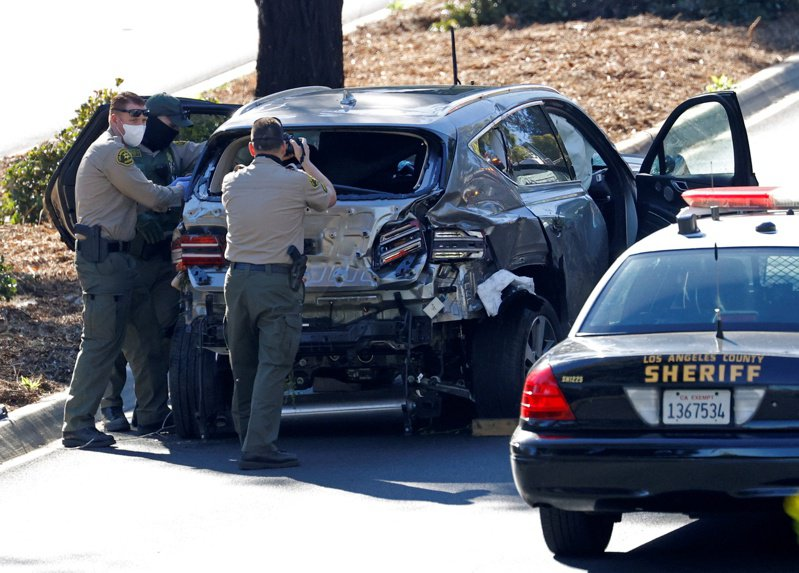 警方車老虎伍茲駕駛的這輛休旅車安全性極高,在車禍時發揮作用,成為活命關鍵。 路透社