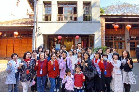 臺灣女性生涯協會志工群橫跨不同世代,實現世代共好。 圖/「女力.SC充電站」提供