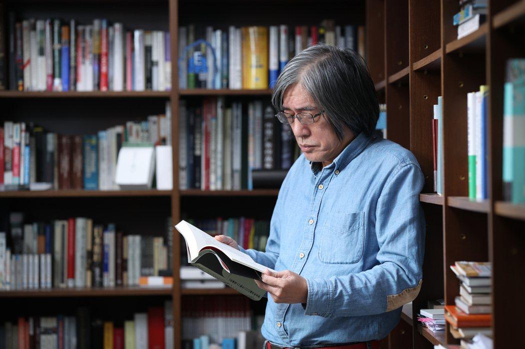 詹宏志說:「我想在這個歷史性的書局裡,開啟一個週三讀書會,給中部的年輕學子一個機...