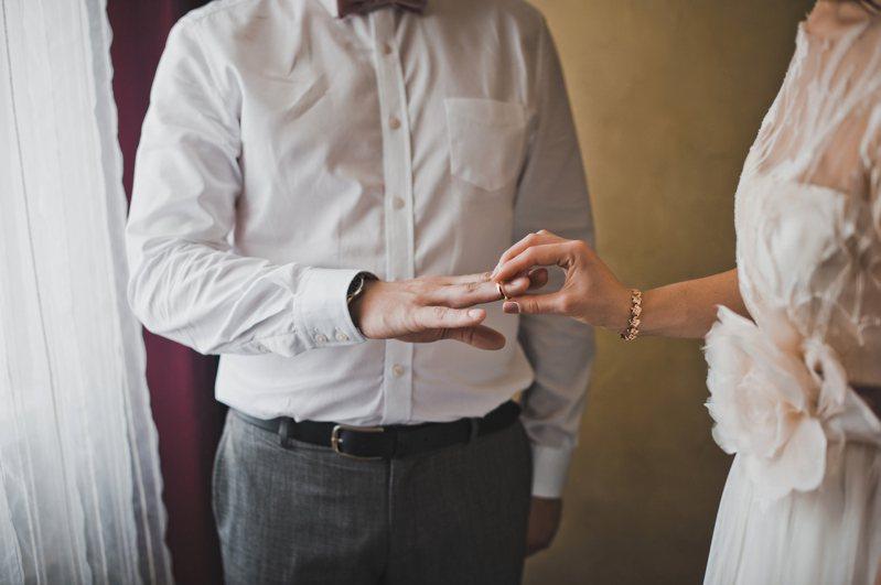 結婚原是天大喜事,但兩方家庭卻因此爭吵不休,示意圖。圖/Ingimage