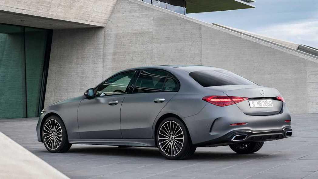 C-Class車身設計與品牌新世代的車型相似度極高。 圖/Mercedes提供