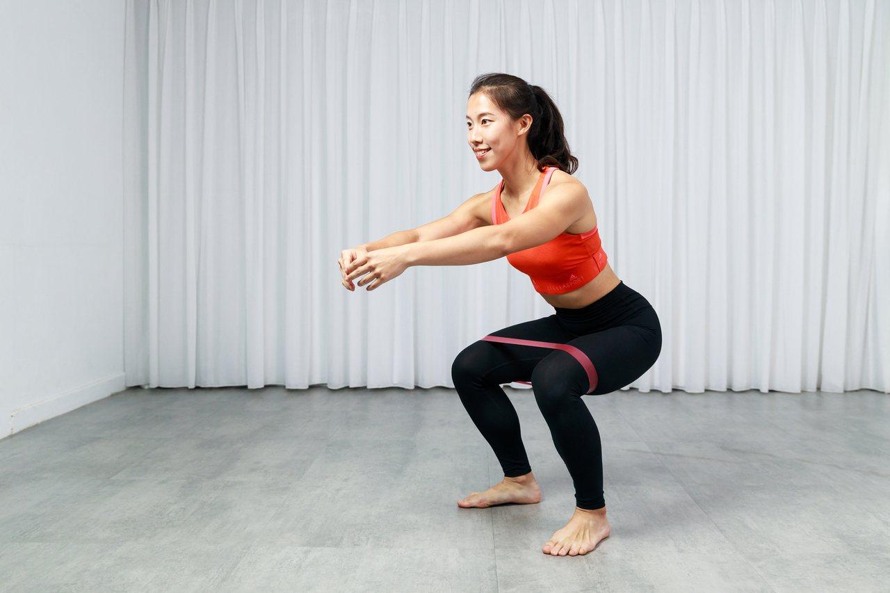 肌力訓練愈早愈好,不僅能防跌倒,還能改善身體線條。