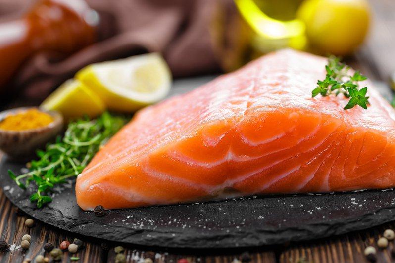 一名女網友日前在網路上詢問冷凍魚片要如何料理才會美味,引發熱議。圖為示意圖。圖片來源/ingimage