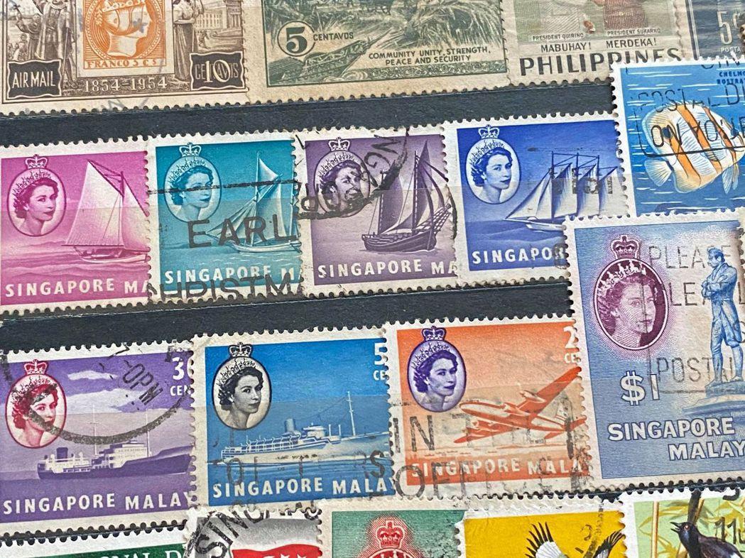 新加坡、香港等英國前殖民地也曾以女王頭像當成郵票設計。 圖/作者提供