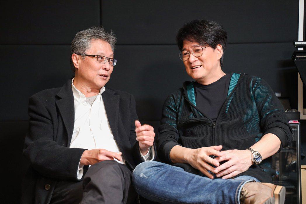 張大春(左)與周華健(右)。記者余承翰/攝影
