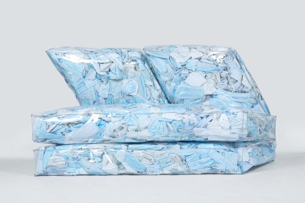 Tobia Zambotti創造出如同冰山造型的沙發。圖/Tobia Zambo...