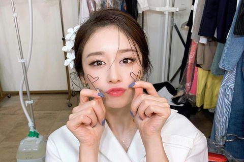 南韓女團T-ara出身的27歲芝妍(舊譯為「智妍」)外型亮麗,無論唱歌、跳舞以及演戲都有顯著表現,最近她因收到死亡威脅而向警方求助,經紀公司PARTNERS park更表示芝妍正在極端的恐慌中,而目...