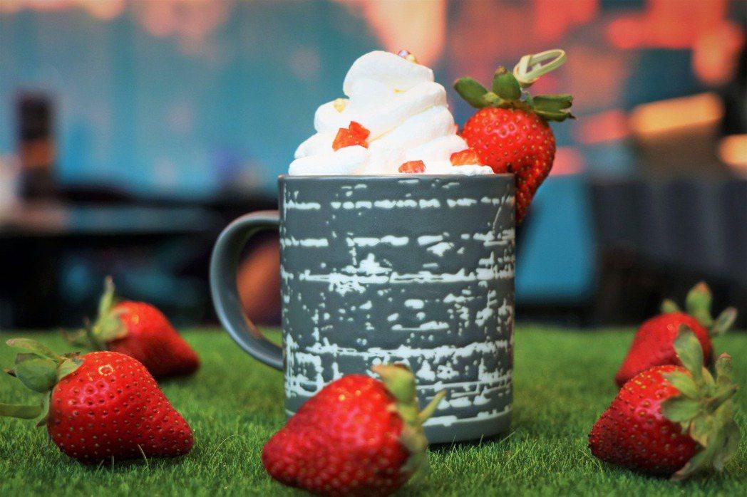 草莓貝禮詩奶酒350元。業者/提供