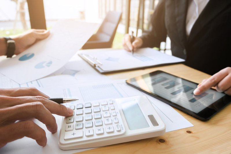歐盟最新版本的租稅不合作國家名單,多明尼加(Dominica)被新增到黑名單中。示意圖/ingimage授權