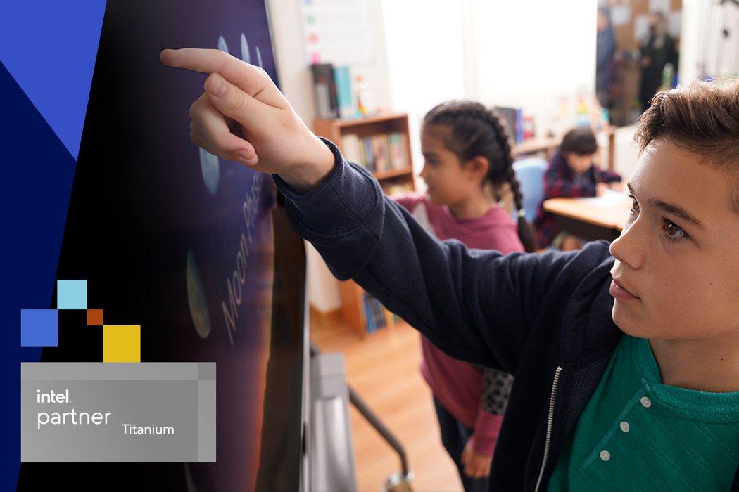 ViewSonic榮獲Intel夥伴聯盟計畫最高級別-Intel鈦金級合作夥伴獎...