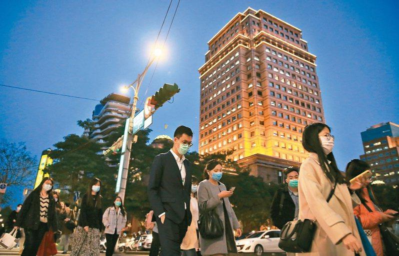 勞動部最新減班休息統計出爐,這期實施事業共有405家、人數3729人,與上期相比新增395人。 聯合報系資料照/記者潘俊宏攝影