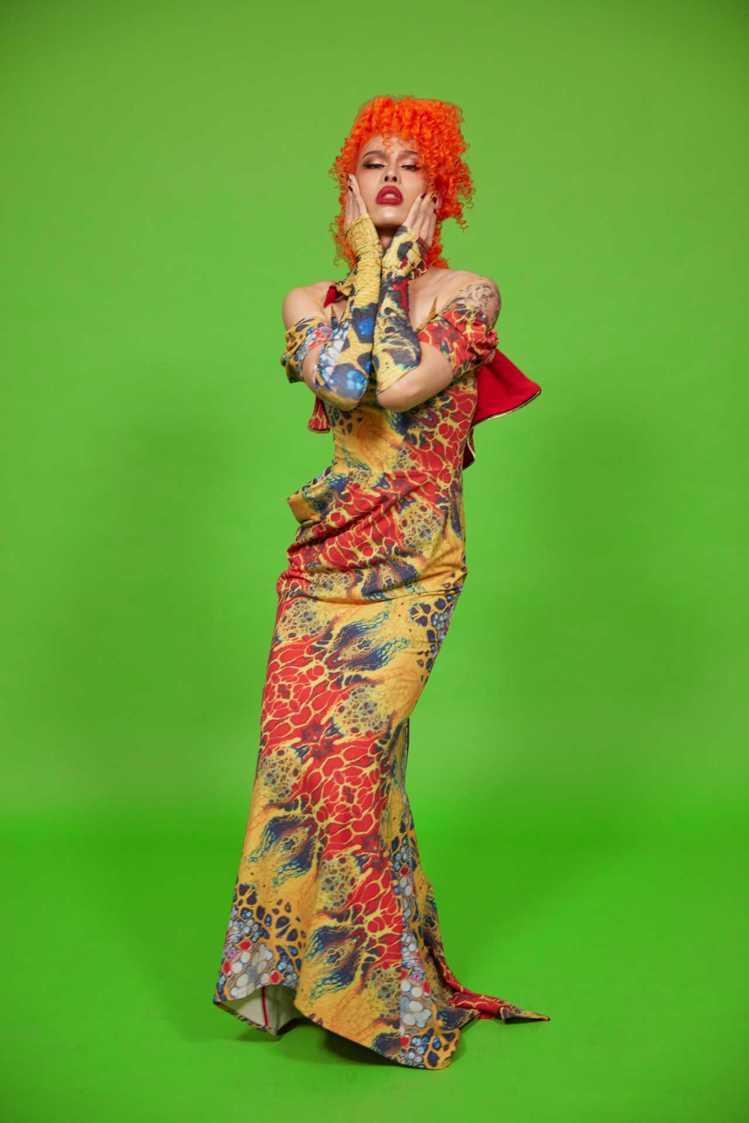 變裝皇后Yolanda Milan身穿JENN LEE秋冬華麗禮服,演繹風情萬種...