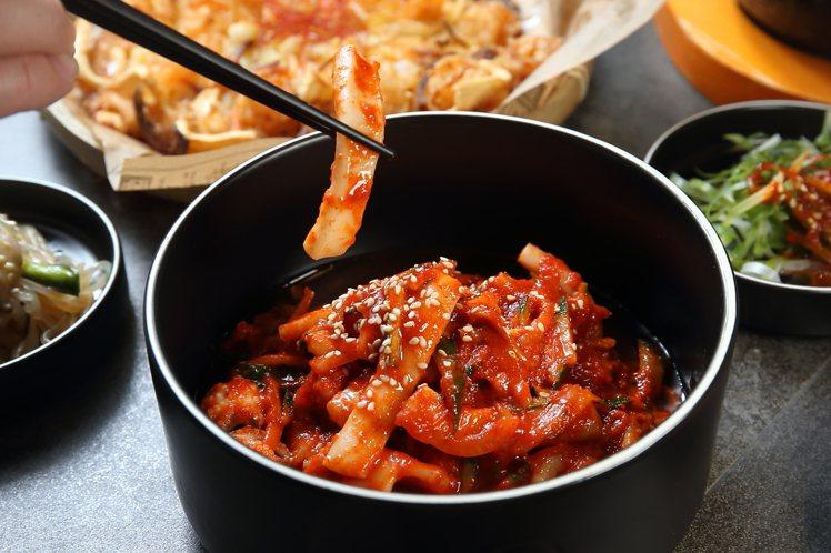涼拌安周辣章魚,每份270元。記者陳睿中/攝影