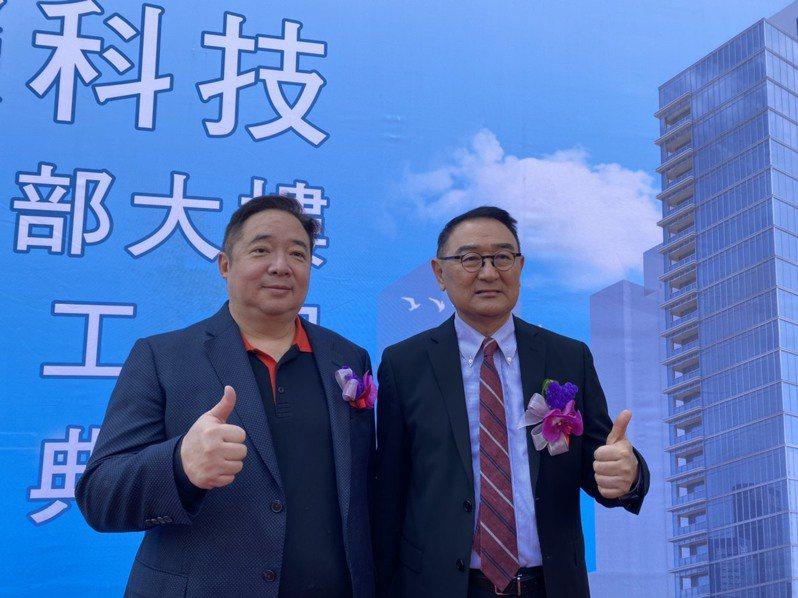 慧榮董事長周邦基(右)和總經理苟嘉章(左)。記者李孟珊/攝影。