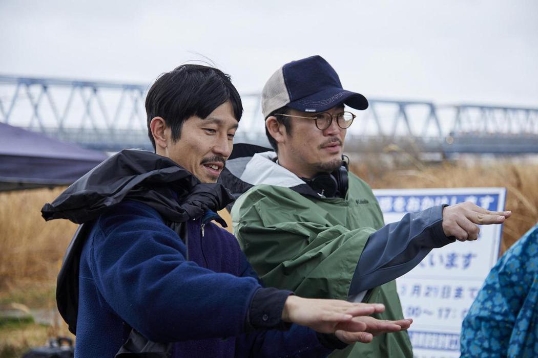 中野量太導演(右)執導「淺田家!」拿下最佳導演獎,該片也即將在台上映。圖/采昌國