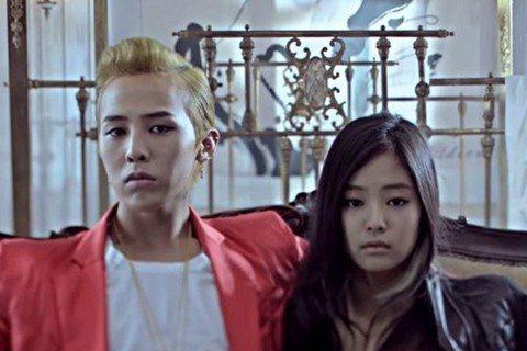 天團「BIGBANG」隊長GD(權志龍),傳出與同屬YG娛樂的師妹「BLACKPINK」Jennie熱戀約會中,韓媒「Dispatch」更指出兩人早已交往1年,YG娛樂公司則回應,「因為屬於藝人私生...