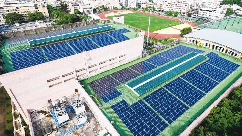 彰師大校舍屋頂太陽光電系統(467.3kW)。能源局/提供