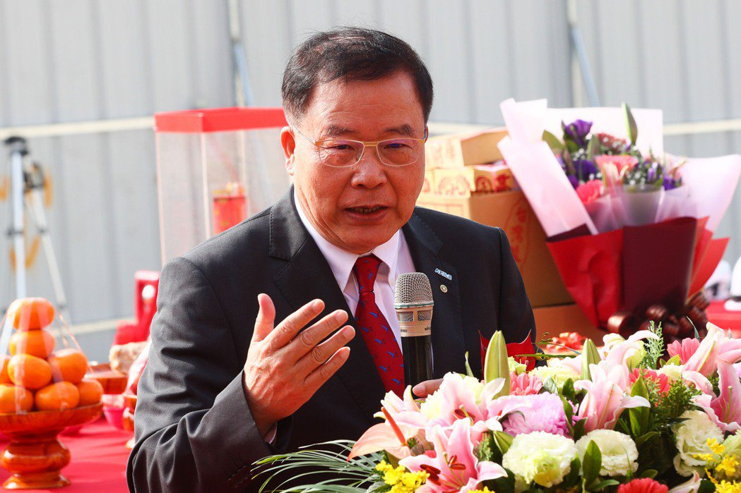 達佛羅公司董事長張錦鋒24日在台中市大雅廠區主持擴廠動工儀式。記者黃仲裕/攝影