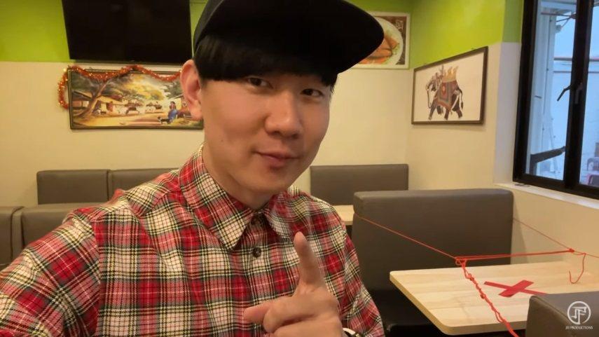 林俊傑24日直播分享美食。圖/擷自YouTube