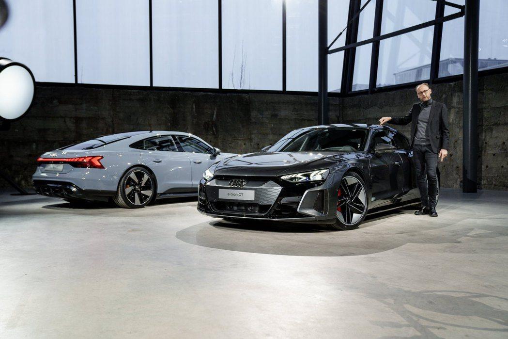 Audi e-tron GT quattro、Audi RS e-tron GT...
