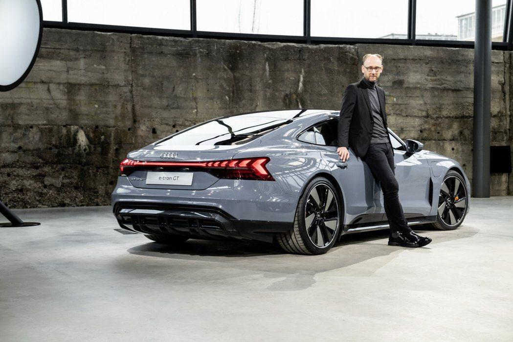 Audi e-tron GT quattro與Audi設計總監Marc Lich...