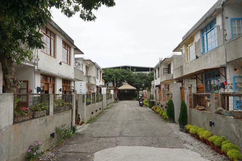 花蓮市仁愛街「又一村」隱身巷弄間,超過50年的老宅,別有一番風味。  圖/王燕...