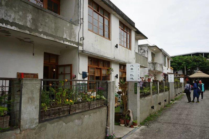 花蓮市仁愛街「又一村」隱身巷弄間,超過50年的老宅,別有一番風味。 圖/王燕華 ...