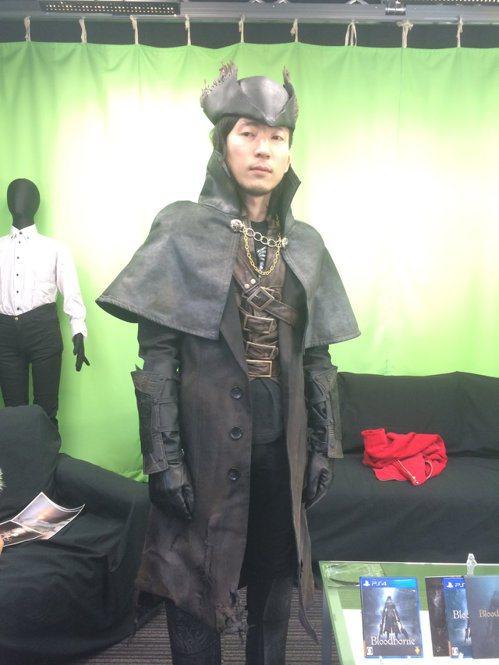 山際眞晃在週年活動上扮成《血源詛咒》的主角 圖:山際眞晃推特