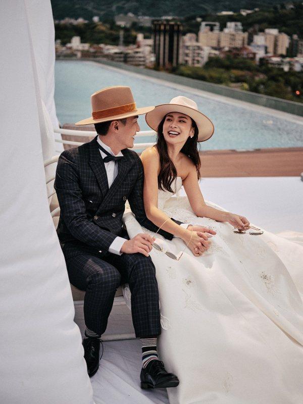 士林萬麗酒店的頂樓泳池及空中花園,視野極佳,可作西式證婚及After party...