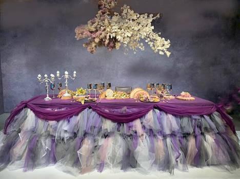 時尚前衛的「法式餐桌饗宴」,邀您入席。 智冠科技文化藝術基金會/提供