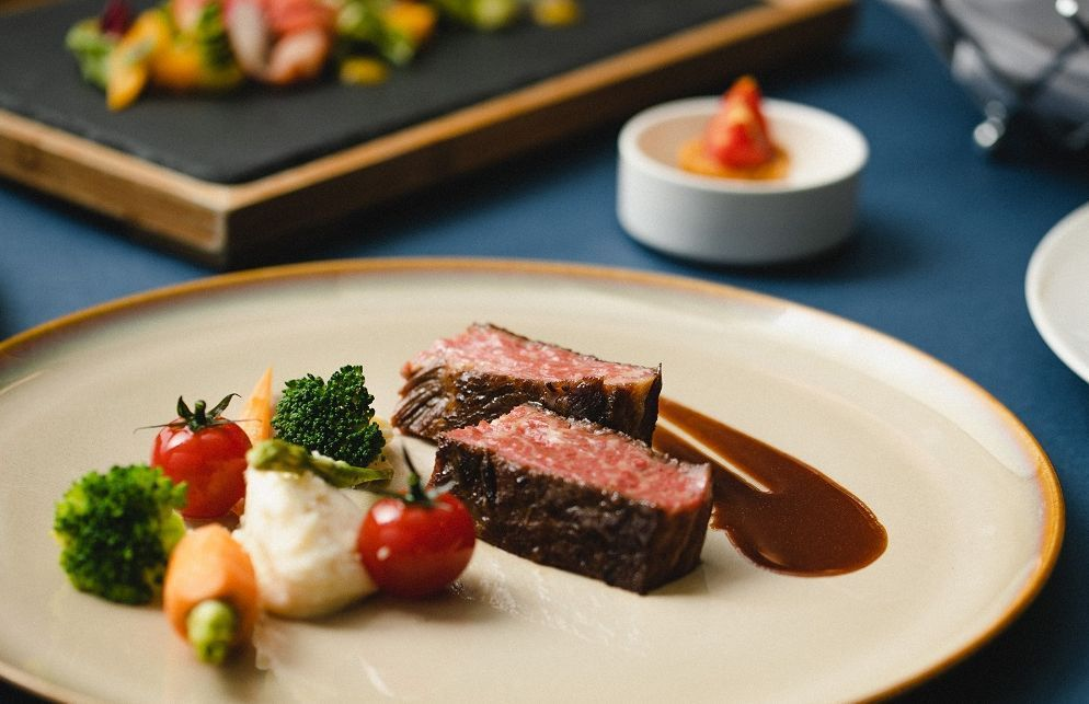 慕軒飯店GUSTOSO義大利餐廳,提供每人原價1.980元+10%的晚間海陸精選...