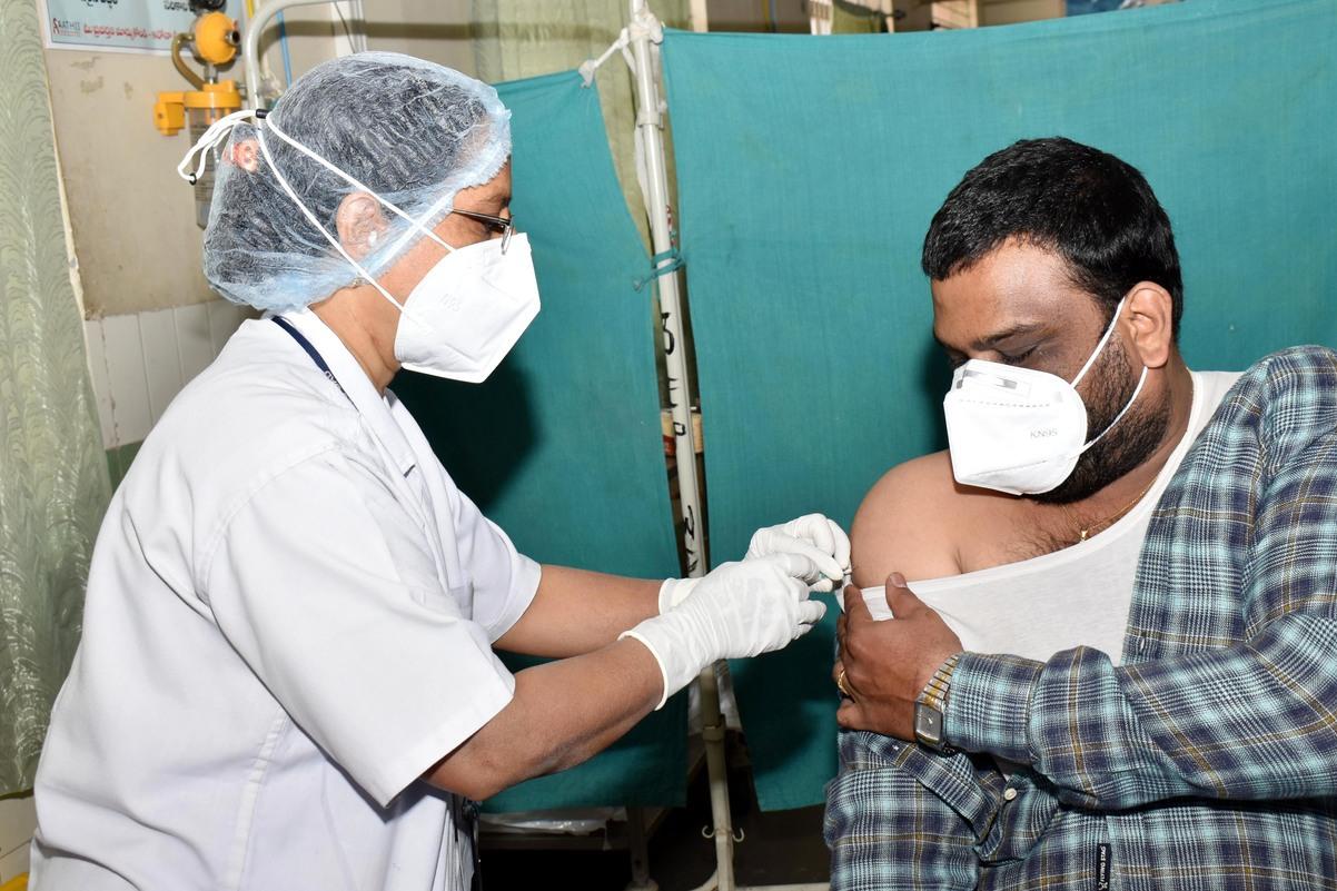 新冠肺炎全球逾1億1251萬例確診 249萬多人病故