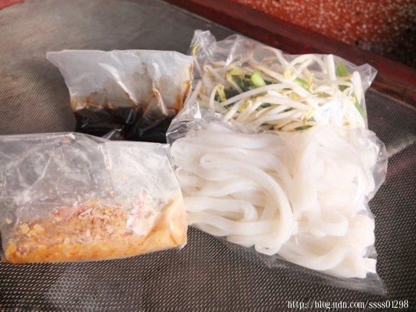 「阿炎嫂粄條」也提供粄條宅配,讓遠在異鄉的人可以回味萬巒家鄉味