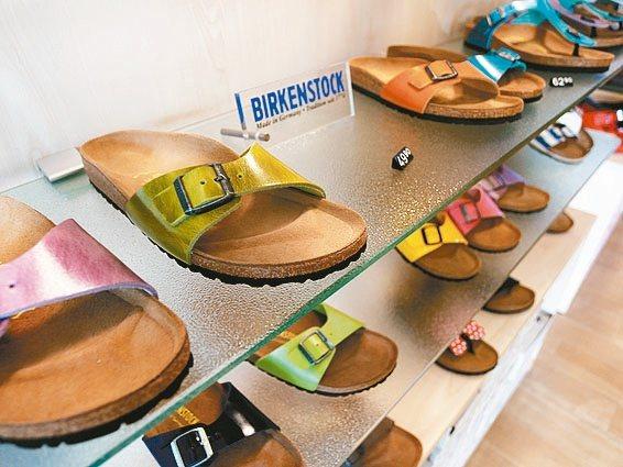 德國百年涼鞋品牌勃肯鞋引發兩大私募公司爭搶競購。(取自網路)