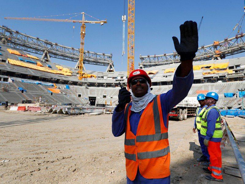 卡達為了2022年世足賽,打造一座新城市路薩爾(Lusail),並建造路薩爾體育場,做為冠軍賽主場。圖為2019年路薩爾體育場施工狀況。路透