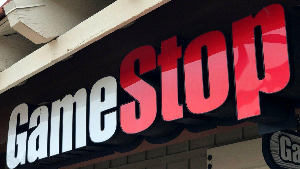 GameStop 24日尾盤狂飆,收盤勁揚逾100%。路透