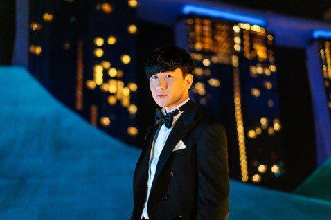 Disney+ 線上平台正式登陸新加坡,而籌備多時的「星光上線」直播節目破例邀來JJ林俊傑首登藝術科學館屋頂演出,並獻唱多首迪士尼經典組曲,寫下歷史性一刻。藝術科學館外像是一朵花又貌似機器人的手掌向...