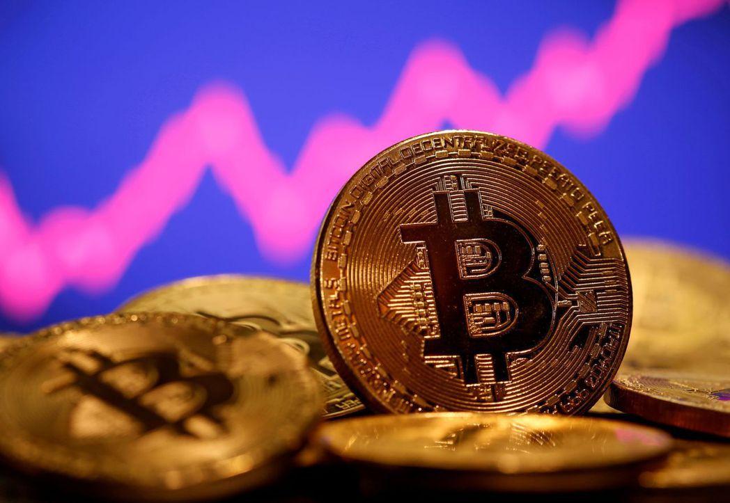 近來比特幣行情狂飆,已造就許多帳面上的富翁,約10萬人持有的比特幣價值超過百萬美...