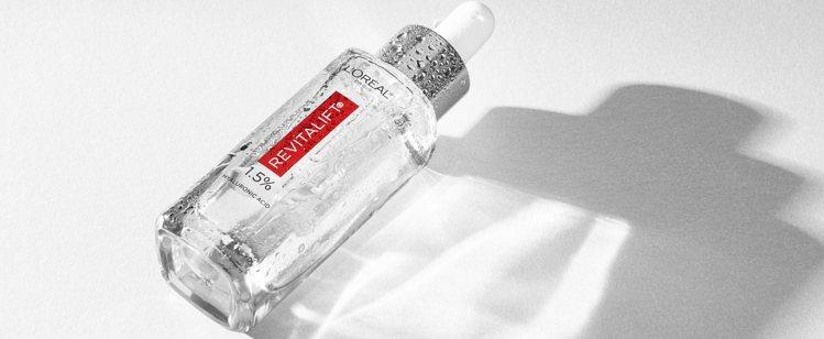 巴黎萊雅超級玻尿酸精華/30ml/790元。圖/巴黎萊雅提供