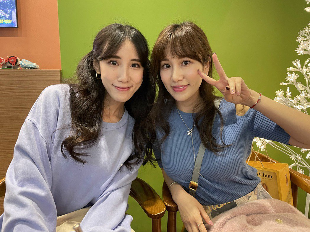 瑤瑤(左)和姊姊Apple。記者葉君遠攝影