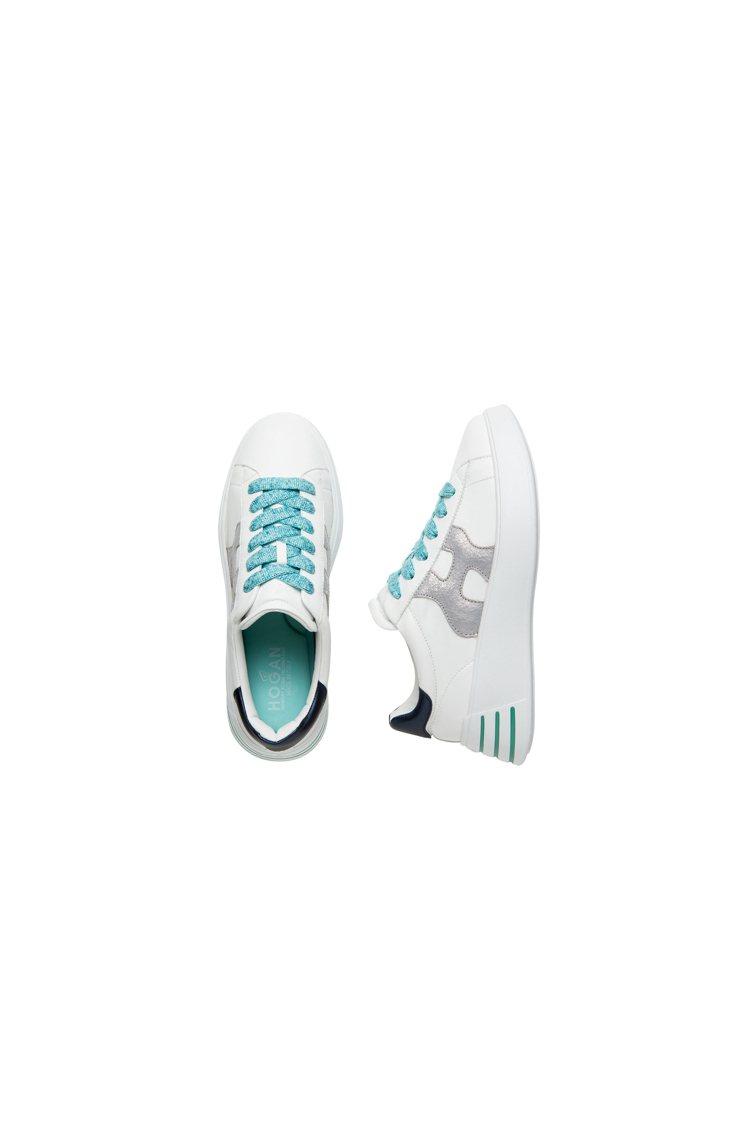 HOGAN REBEL藍色金屬爆裂小羊皮休閒鞋,17,600元。圖/迪生提供