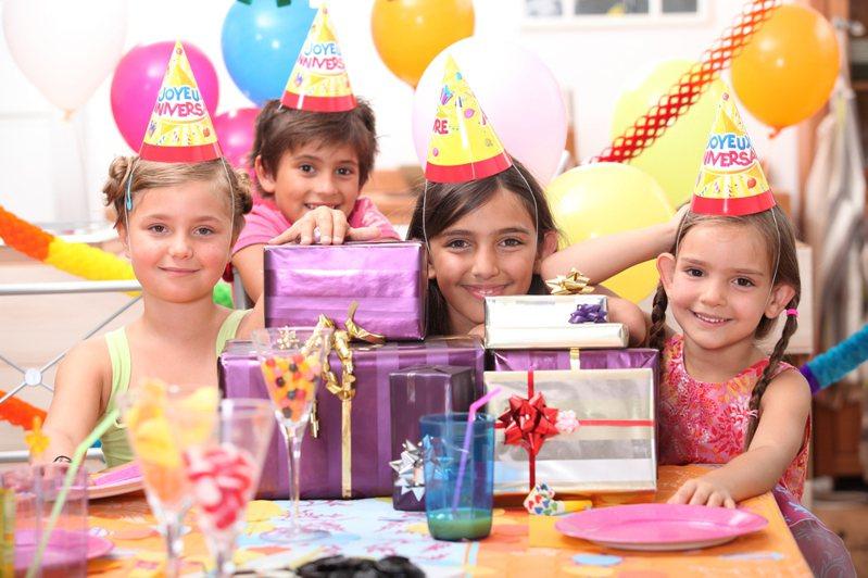 一名網友日前在網路上詢問,花1萬2千元為小一的女兒辦生日派對是否太過了,引發熱議。圖為示意圖。圖片來源/ingimage
