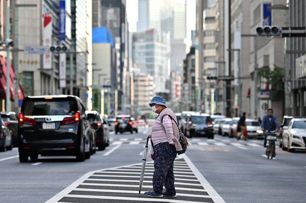 日本大型長照企業在2020年1月底紛紛設立新冠肺炎對應部門。 圖/法新社