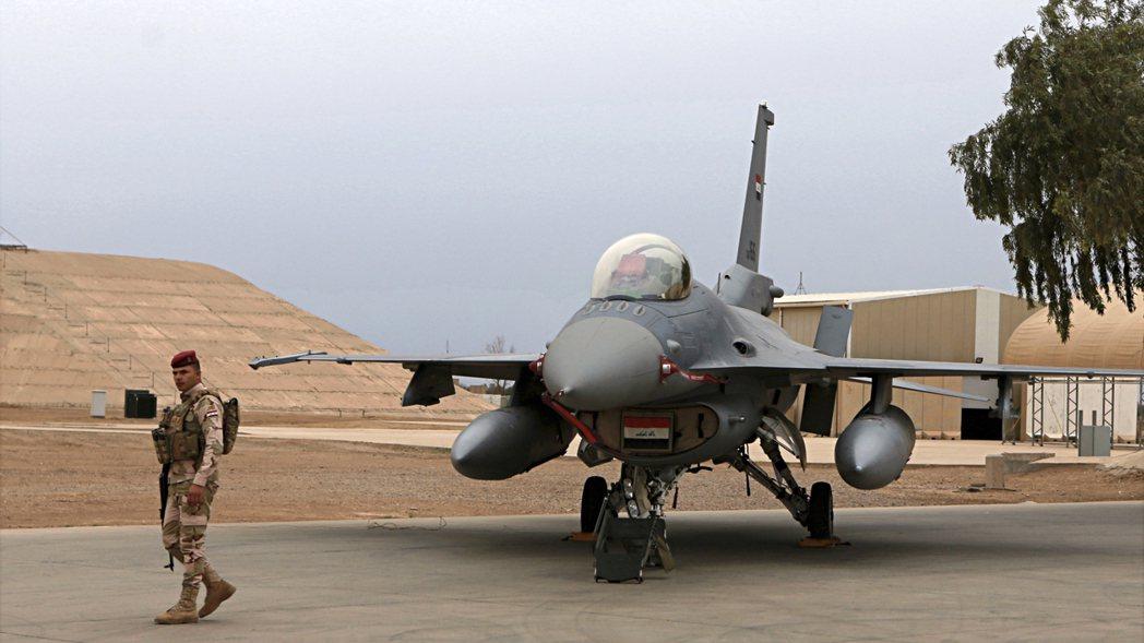 巴拉德空軍基地,是伊拉克F-16戰鬥機部隊的戰訓大本營,因此該地才會駐有不少美軍...